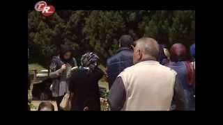 Trabzonspor Soma'daki Madencilerin Mezarını Ziyaret Etti